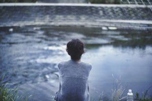 40代 独身 女性 孤独